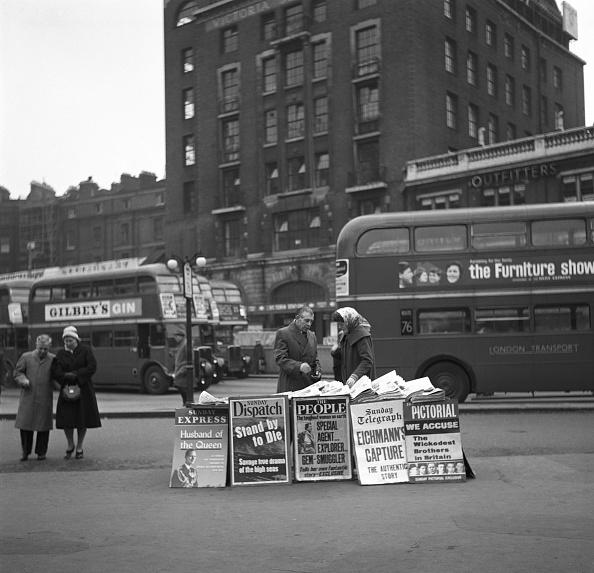 Bus「London News Seller, 1960」:写真・画像(11)[壁紙.com]