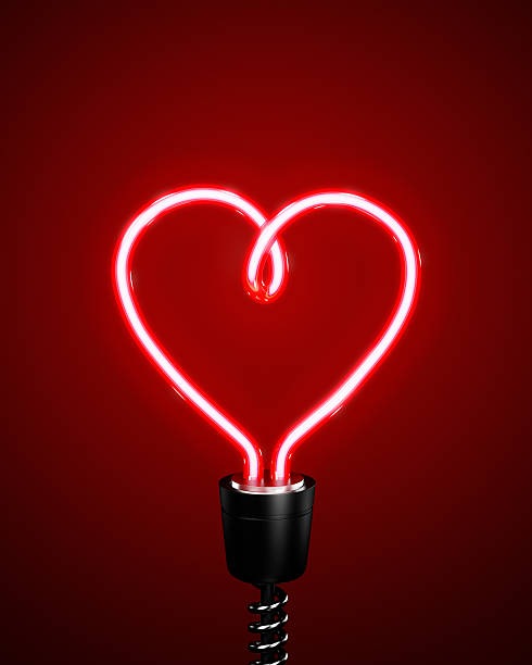 Red heart shaped energy saving lightbulb:スマホ壁紙(壁紙.com)
