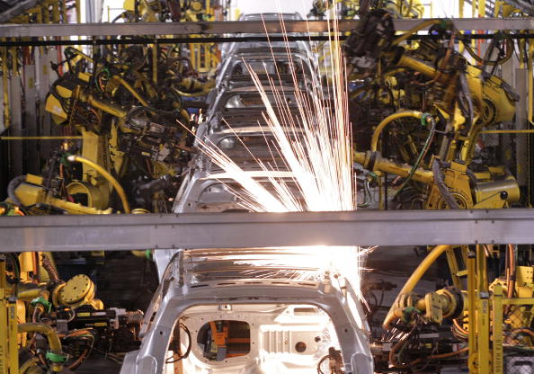 General Motors「GM Plant Readies For Third Shift As U.S. Sales Increase In February」:写真・画像(15)[壁紙.com]