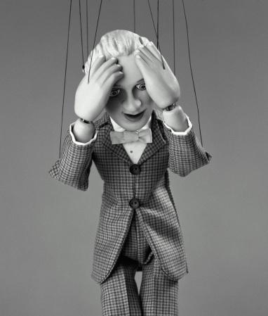 Marionette「Puppet clutching head, close-up (B&W)」:スマホ壁紙(19)