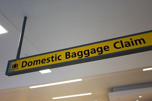 Kennedy Airport「Domestic Baggage Claim」:スマホ壁紙(8)