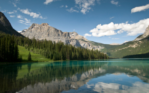 Yoho National Park「Emerald Lake reflections」:スマホ壁紙(8)