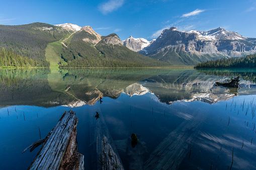 Yoho National Park「Emerald Lake Reflections, Yoho National Park, Canadian Rockies, Canada」:スマホ壁紙(7)