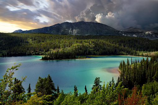 Yoho National Park「Emerald Lake, Southern Yukon, Canada」:スマホ壁紙(12)
