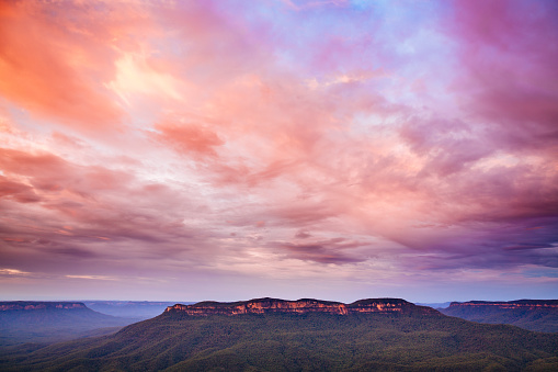 Dawn「Mount Solitary from Sublime Point, Blue Mountains」:スマホ壁紙(8)