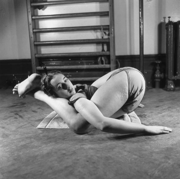 Yoga「Yoga For Dancers」:写真・画像(13)[壁紙.com]