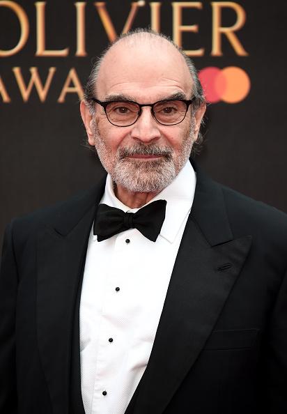 David Suchet「The Olivier Awards 2019 with MasterCard - Red Carpet Arrivals」:写真・画像(8)[壁紙.com]