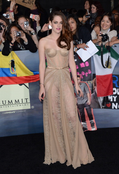 "The Twilight Saga: Breaking Dawn「Premiere Of  Summit Entertainment's ""The Twilight Saga: Breaking Dawn - Part 2"" - Arrivals」:写真・画像(9)[壁紙.com]"