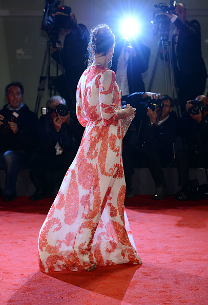 "Flared Dress「""Cherchez Hortense"" Premiere - The 69th Venice Film Festival」:写真・画像(9)[壁紙.com]"
