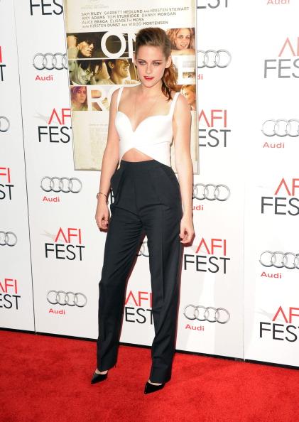 "Straight leg pants「AFI FEST 2012 Presented By Audi - ""On The Road"" Premiere - Arrivals」:写真・画像(0)[壁紙.com]"