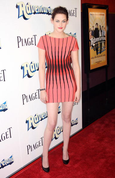 "Pencil Dress「Premiere Of Miramax Films' ""Adventureland"" - Arrivals」:写真・画像(0)[壁紙.com]"