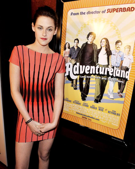 "Pencil Dress「Premiere of Miramax Films' ""Adventureland"" - Arrivals」:写真・画像(3)[壁紙.com]"