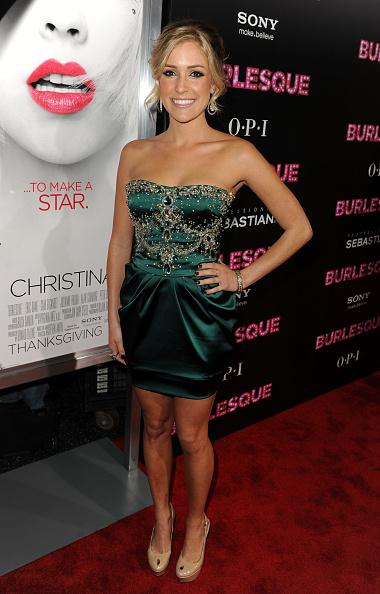 "Strapless Dress「Premiere Of Screen Gems' ""Burlesque"" - Arrivals」:写真・画像(16)[壁紙.com]"