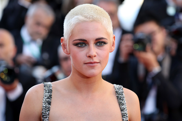 "Kristen Stewart「""120 Beats Per Minute (120 Battements Par Minute)"" Red Carpet Arrivals - The 70th Annual Cannes Film Festival」:写真・画像(16)[壁紙.com]"