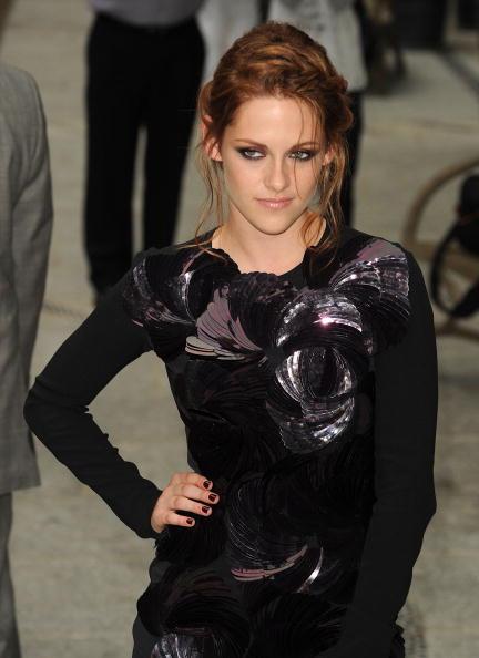 "Mini Dress「The Cinema Society Screening Of ""The Twilight Saga: Eclipse"" - Outside」:写真・画像(1)[壁紙.com]"