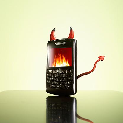Evil「Evil cell phone」:スマホ壁紙(15)