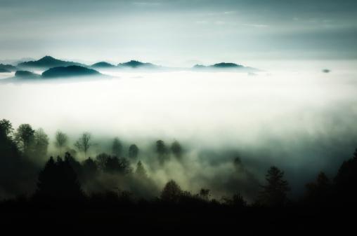 スイス「霧」:スマホ壁紙(6)