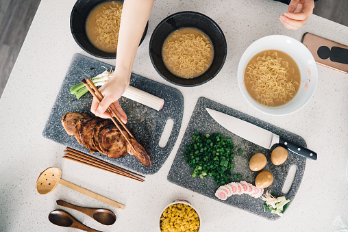 Soy Sauce「Ramen ingredients being prepared in the kitchen」:スマホ壁紙(13)