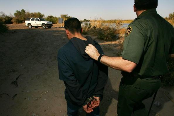 Risk「Arizona Struggles To Patrol Vast Border With Mexico」:写真・画像(12)[壁紙.com]