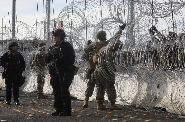 Baja California Peninsula「Immigrant Caravan Members Gather At U.S.-Mexico Border」:写真・画像(15)[壁紙.com]