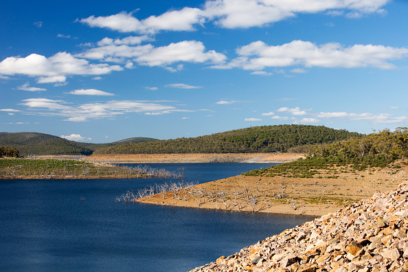 Mountain「Much of South East Australia has been in the grip of a terrible drought for the last 15 years. Lake Eucumbene in the Snowy Mountains has fallen to very low levels.」:写真・画像(15)[壁紙.com]
