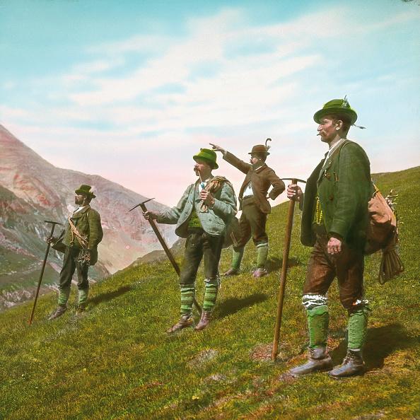 Mountain Range「Mountain guides. Grossglockner. Carinthia. Austria. Hand-colored lantern slide around 1910.」:写真・画像(14)[壁紙.com]