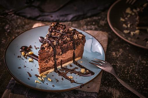 Dessert「Delicious Chocolate Layer Cake」:スマホ壁紙(2)