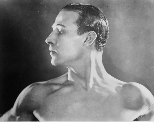 Profile View「Rudolph Valentino」:写真・画像(4)[壁紙.com]