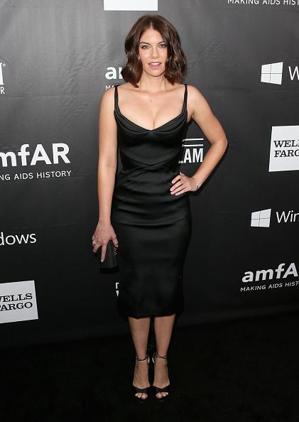 Lauren Cohan「FIJI Water At amfAR's Inspiration LA Gala」:写真・画像(9)[壁紙.com]