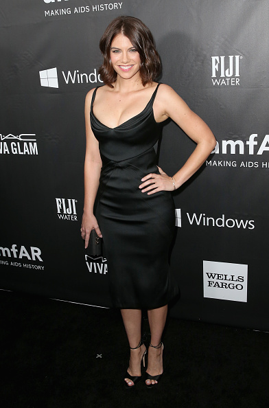 Lauren Cohan「FIJI Water At amfAR's Inspiration LA Gala」:写真・画像(8)[壁紙.com]