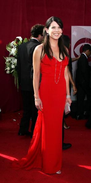 Clutch Bag「57th Annual Emmy Awards - Arrivals」:写真・画像(13)[壁紙.com]