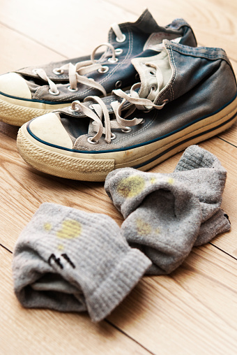 Clothing「Old canvas lace up shoes with dirty socks」:スマホ壁紙(9)