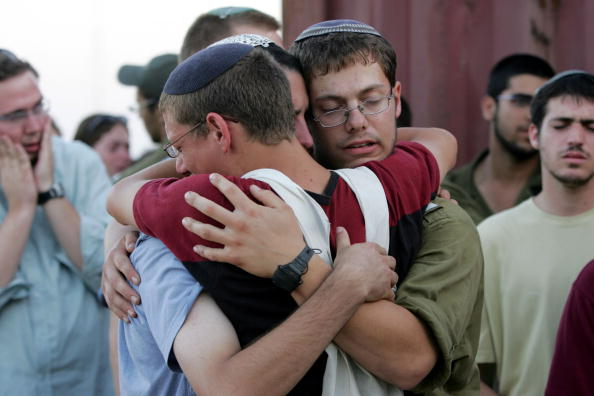 Marco Di Lauro「Israeli Army Evacuate Synagogue On First Day Of Disengagement」:写真・画像(13)[壁紙.com]
