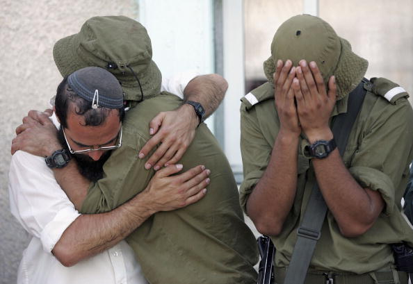 Marco Di Lauro「Israeli Army Evacuate Synagogue On First Day Of Disengagement」:写真・画像(17)[壁紙.com]