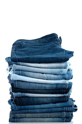 Vertical「Pile of Jeans」:スマホ壁紙(9)