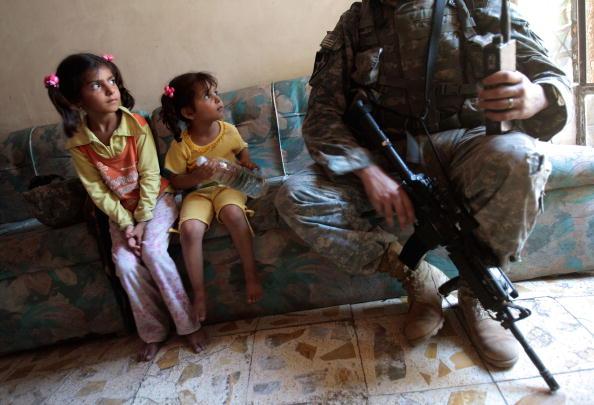 Civilian「American Troops Patrol in Southern Baghdad」:写真・画像(15)[壁紙.com]