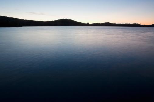 Adirondack Mountains「Lake at twilight」:スマホ壁紙(10)