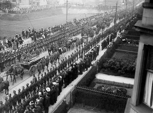 Horse「Funeral Procession」:写真・画像(15)[壁紙.com]
