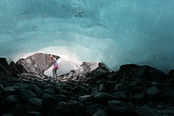 Mountain「Scientists Study Ice Melt On The Wolverine Glacier In Alaska」:写真・画像(18)[壁紙.com]