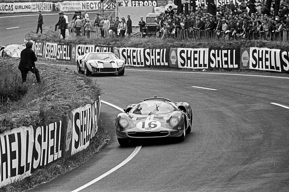 Ferrari「Richard Attwood, Jacky Ickx, 24 Hours Of Le Mans」:写真・画像(14)[壁紙.com]