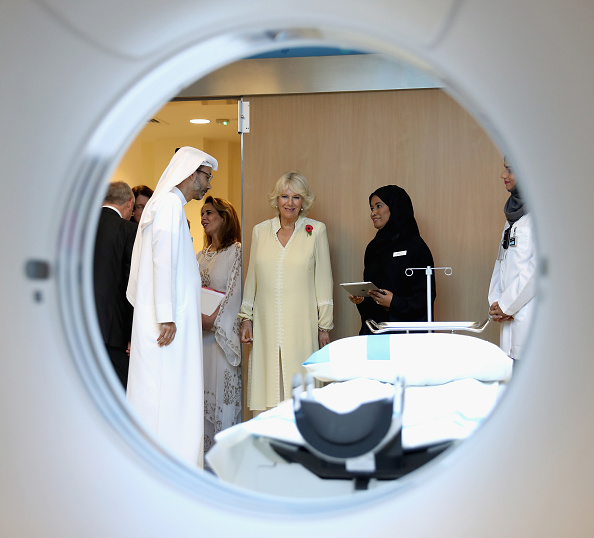 MRI Scanner「The Prince Of Wales And The Duchess Of Cornwall Tour United Arab Emirates - Day 3」:写真・画像(5)[壁紙.com]