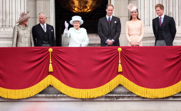 Diamond Jubilee - Carriage Procession And Balcony Appearance:ニュース(壁紙.com)