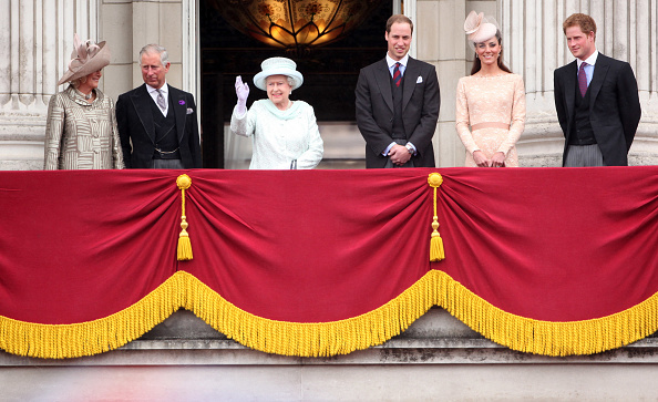 William S「Diamond Jubilee - Carriage Procession And Balcony Appearance」:写真・画像(1)[壁紙.com]