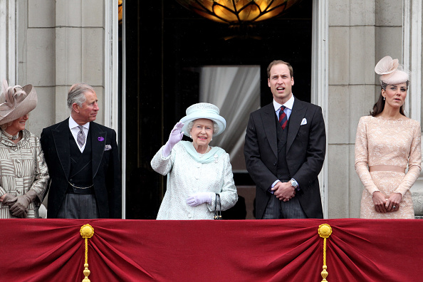Architectural Feature「Diamond Jubilee - Carriage Procession And Balcony Appearance」:写真・画像(4)[壁紙.com]
