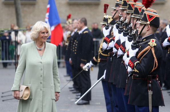 Purse「Camilla, Duchess Of Cornwall Attends First Solo Overseas Engagement In Paris」:写真・画像(17)[壁紙.com]