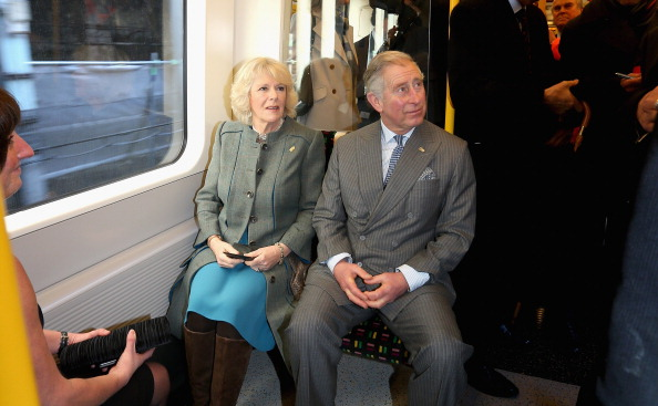 Railroad Car「The Prince Of Wales And Duchess Of Cornwall Mark 150th Anniversary Of London Underground」:写真・画像(9)[壁紙.com]