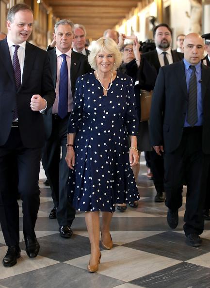 真珠「The Prince Of Wales And Duchess Of Cornwall Visit Italy - Day 3」:写真・画像(18)[壁紙.com]