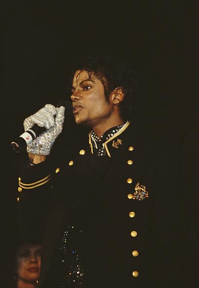 Glove「Michael Jackson」:写真・画像(1)[壁紙.com]