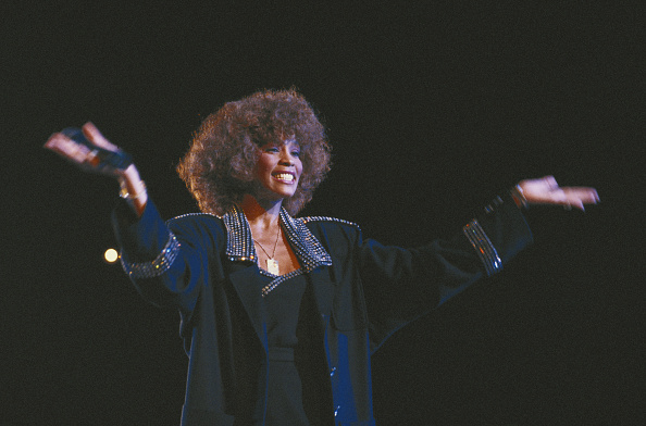 Singer「Whitney Houston」:写真・画像(6)[壁紙.com]