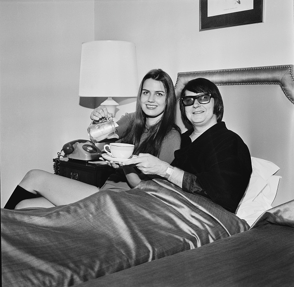 Teapot「Roy and Barbara Orbison」:写真・画像(19)[壁紙.com]